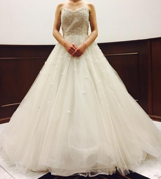 ドレスはウェディングもカラーも可愛く(*^^)v