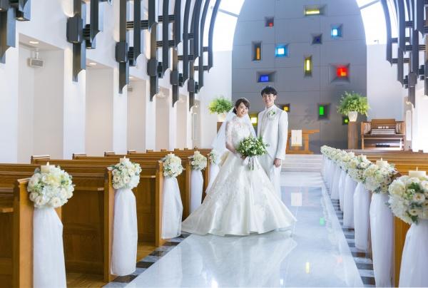結婚式場が決まったら待ちに待った衣裳選び!~ウエディングドレスのご相談から決定まで~