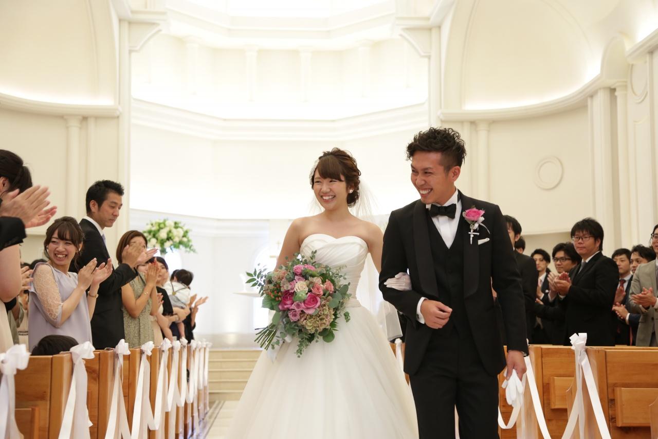 主役は花嫁だけじゃない!新郎様も小物でタキシードをおしゃれに楽しみましょう♡