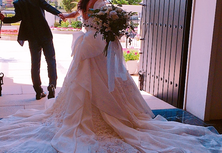 お洒落花嫁の秘密は、一度で二度たのしむ欲張りなウェディングドレス♡