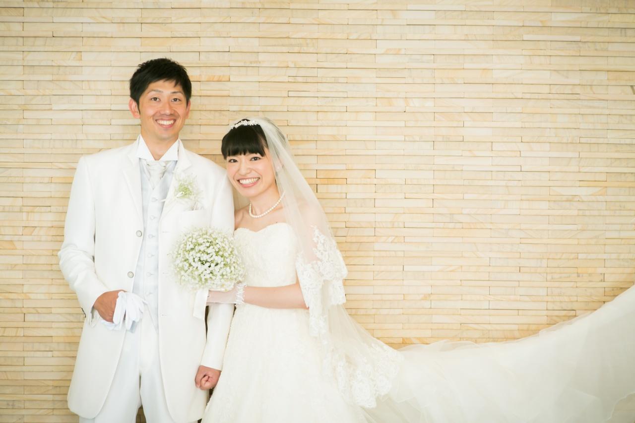花嫁様のバックスタイルをより引き立てるウェディングベールの種類♡