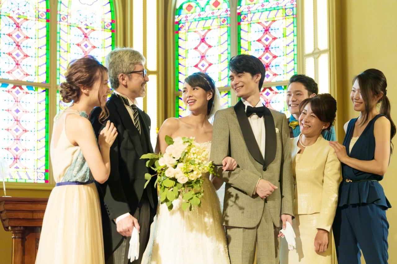 結婚式をお控えのお父様、お母様必見!! 家族衣裳のレンタルもビアンベールにおまかせ♪