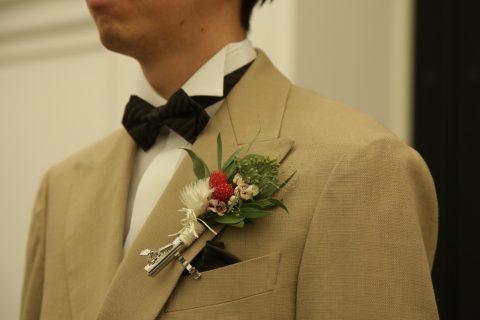 結婚式はお2人が主役です♡タキシード衣裳やヘアセットはどうしてる?卒花から聞いた助かったこと!