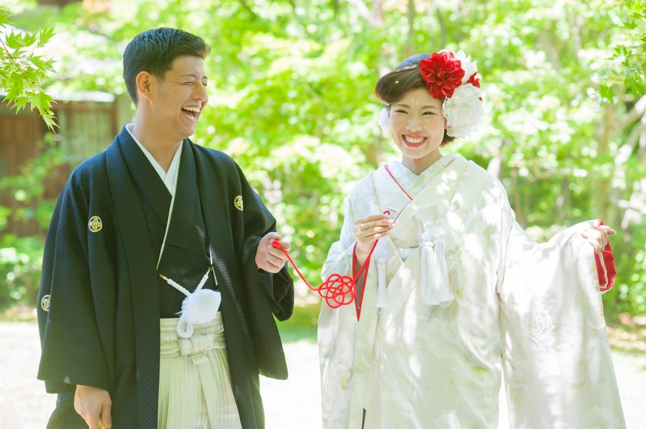 今どきのおしゃれ花嫁さんはみんな着てる!おしゃれな白無垢の着こなし方♡