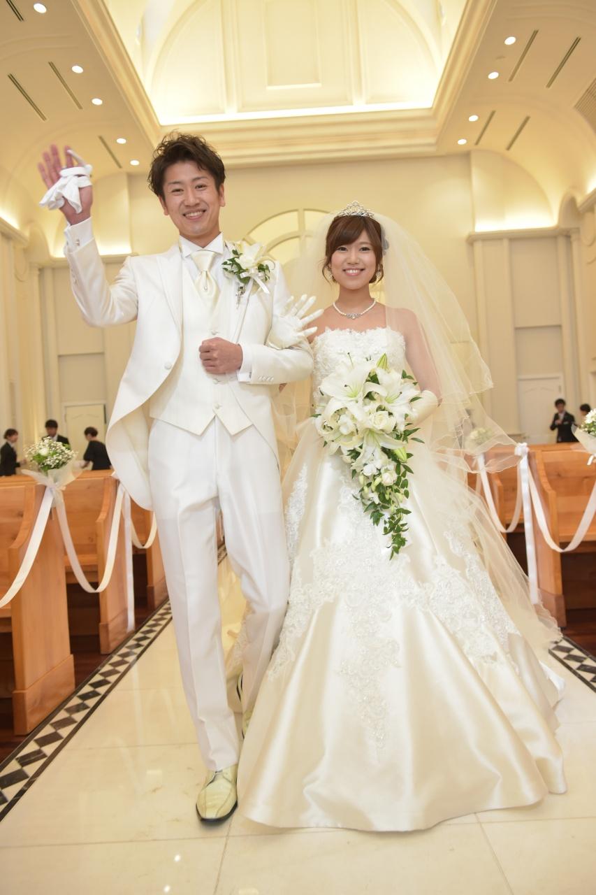 結婚式 新郎 新婦 タキシード ウェディングドレス
