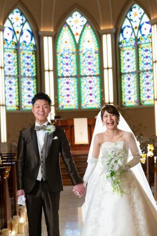 ビアンベール本店 キャスケード ブーケ 白ドレス
