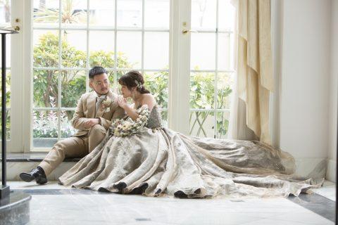 カラードレスが決まらないという方に必見!秋冬を取り入れたドレスでワンランクアップな花嫁様に♡
