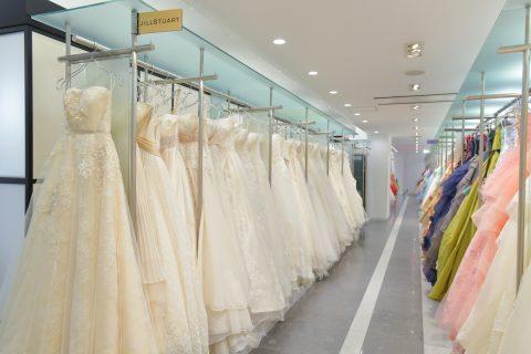 ビアンベーる本店 館内 ドレス