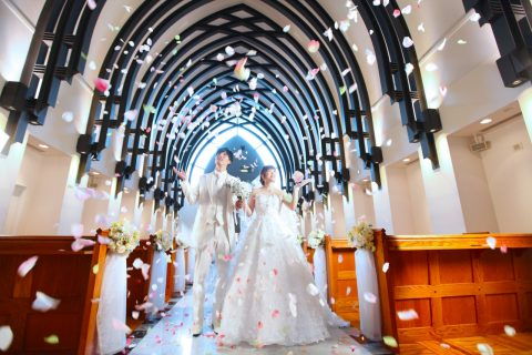 【2月限定!】「結婚式はずかしい・・・」そんな花嫁様も必見!2人だけで叶う新潟フォトウエディング♡憧れのチャペル撮影がビアンベールなら今だけプレゼント!