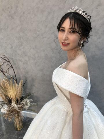 結婚式 ドレス 韓国 ティアラ おしゃれ