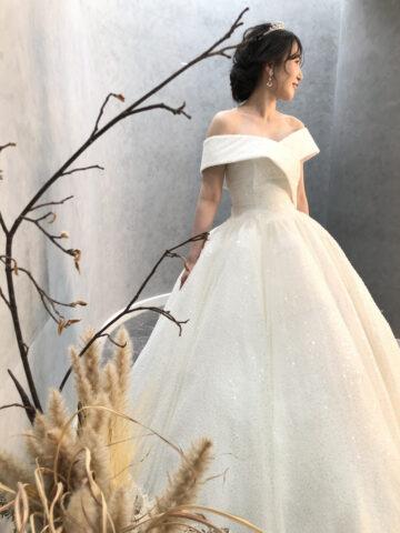 結婚式 ドレス ヘアーアレンジ 韓国 ティアラ おしゃれ