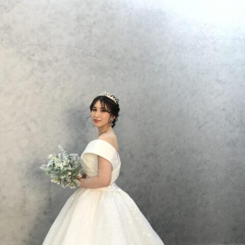 結婚式 ヘアーアレンジ ローシニヨン 韓国 ドレス ヘッド ティアラ