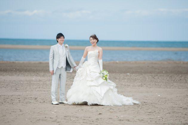【先輩花嫁フォトあり♡】ビアンベールなら夏のフォトウェディングは海で撮影したい!が叶えられる♥