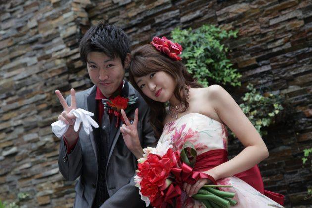 【卒花嫁から学ぶ!】カラードレスに何色のブーケを合わせる??♥