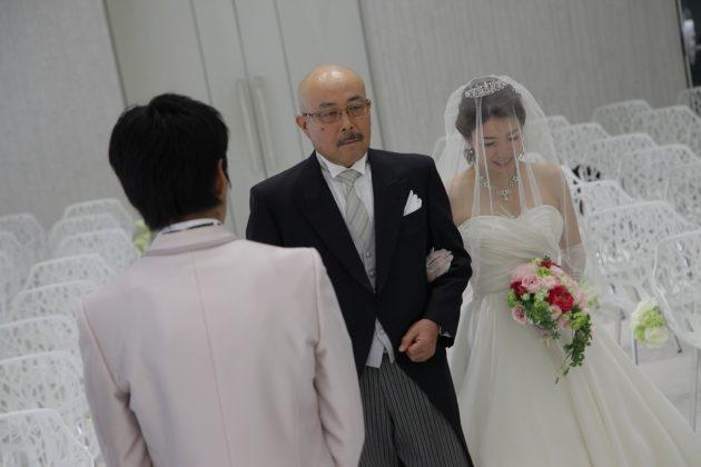 『お父さんありがとう!』結婚式にたくさんの感謝を伝えるシーンまとめ♥