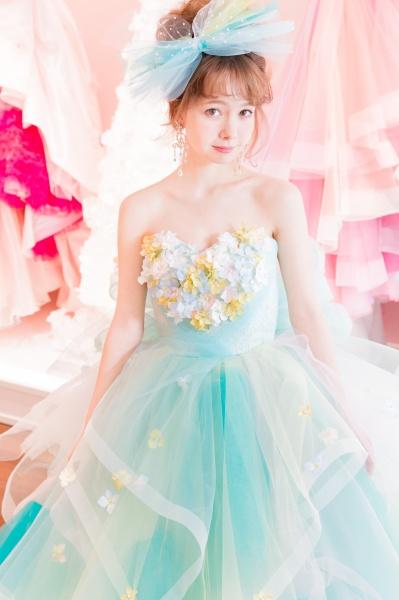 「お花畑」と「ヒラヒラスカート」で かわいいHappy花嫁に!!!!
