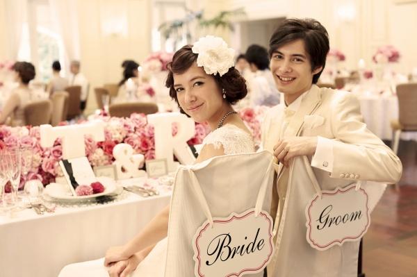 """【卒花嫁も支持!】人気ブランド""""ユミ カツラ""""のドレスで360度どこから見てもステキ花嫁に♥"""