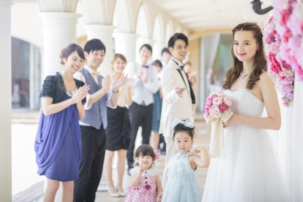 【いつもと違うオシャレをして結婚式へ!】お子様のドレスをご紹介♥
