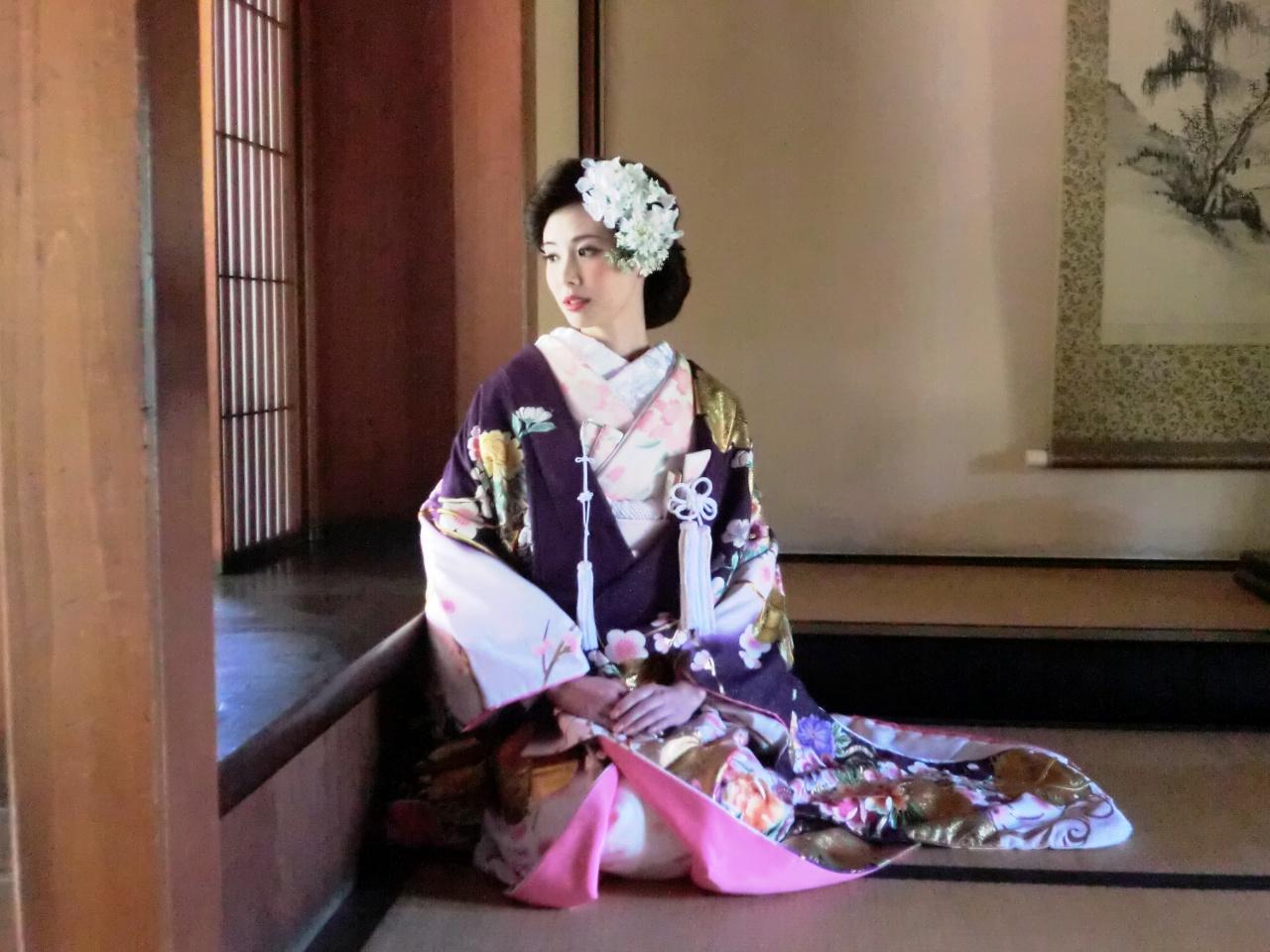 色打掛を着る意味を知ってますか?日本の伝統美を感じ素敵な花嫁に♪