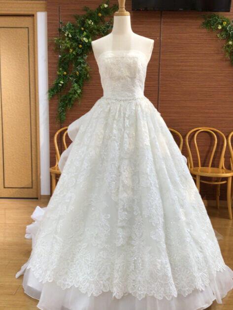 ドレス姿をより美しく!~パニエの役割とは?~