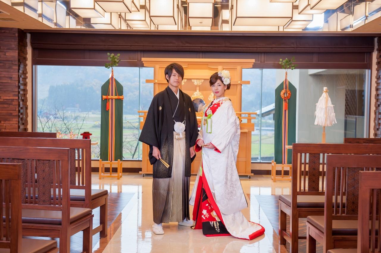 ビアンベール新発田店は月岡温泉ホテル泉慶・華鳳の提携衣裳店です