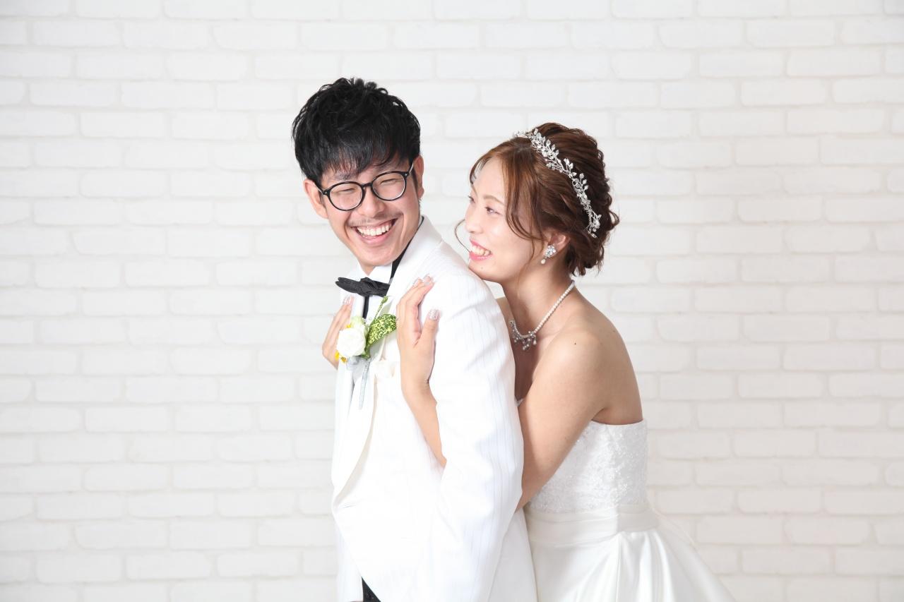 入籍の記念にフォトウエディング♡お二人で選んだお二人らしいポーズで楽しく撮影♪