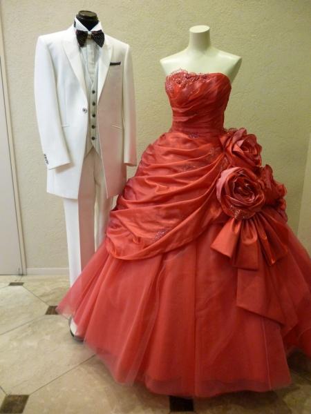 佐々木希コレクション チェリーピンクのドレス