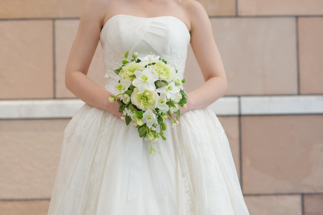 お気に入りのドレスで猫背じゃもったいない!ドレス姿をより美しくする花嫁の姿勢