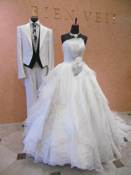 イサムモリタからエレガントなウェディングドレスが入荷!