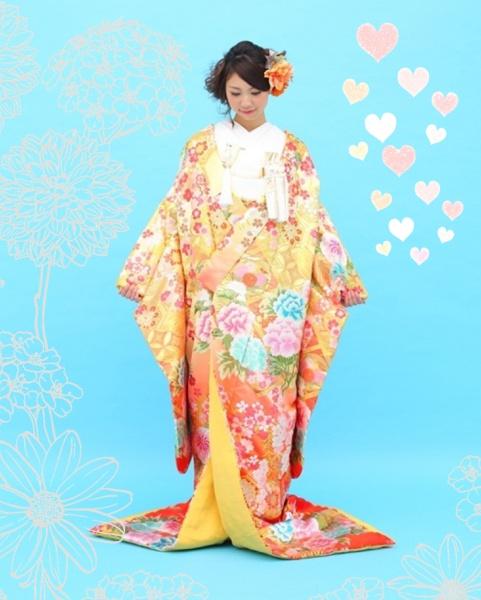 伝統的な文様に桜柄をプラス、きれい色の色打掛が入荷しました!