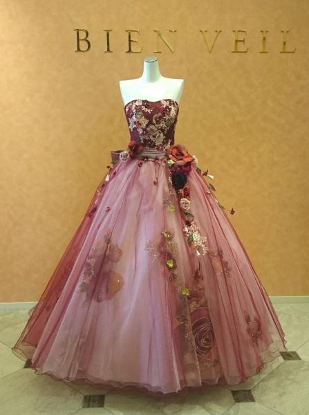 シュガーケイから新作タキシード、佐々木希コレクションから新作ドレスが入荷しました