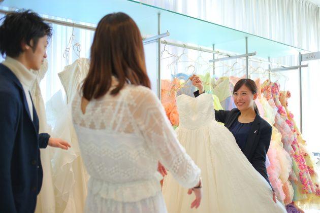 【簡単に似合うドレスが見つかる?!】4パターンのドレスライン紹介!