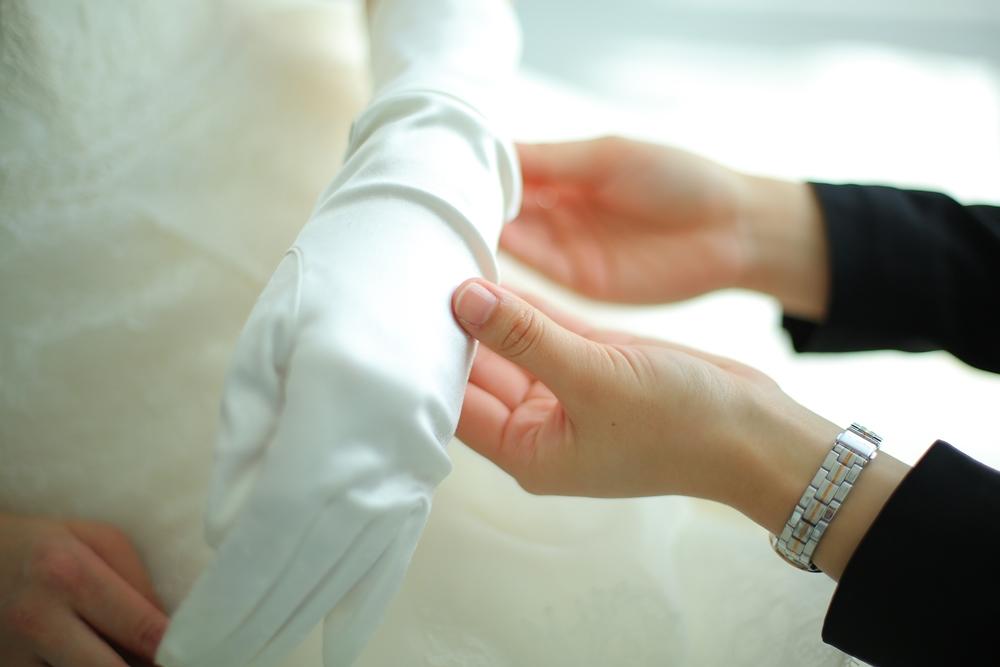 チャペル挙式の花嫁必見!挙式前に知っておきたい花嫁グローブのこと。