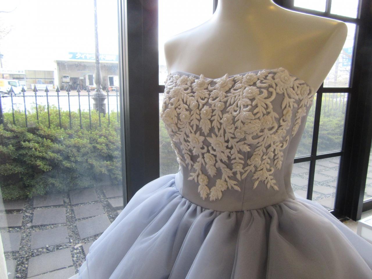 新作ドレス♡ 花嫁から高支持率!今旬グレーのカラードレス
