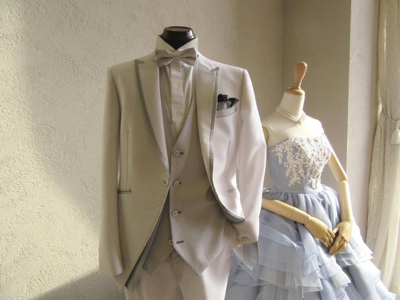 特別感が演出できる白タキシード!白を着るならスタイリッシュなものがおすすめ