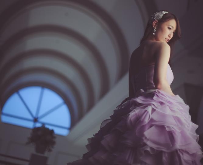 上品なカラードレスが着たい!色とデザインを楽しめるエレガントなカラードレスまとめ♡