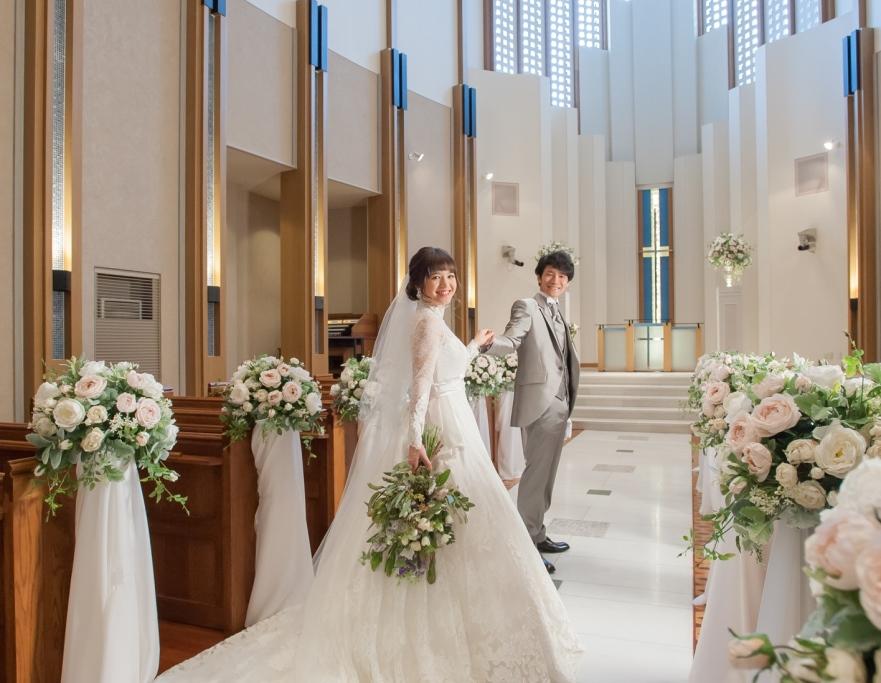 フォトウェディングで結婚式らしさを体感♡チャペル撮影だから叶う胸きゅんフォト