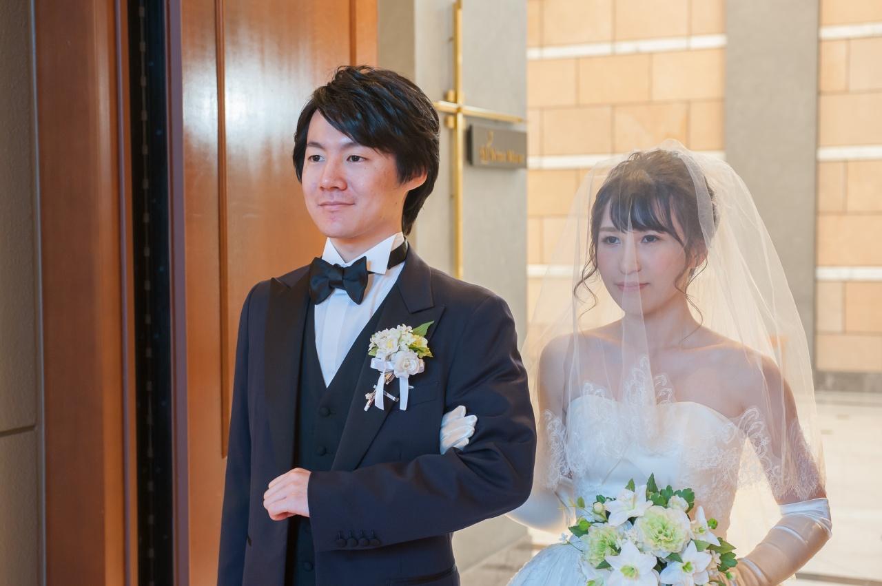 結婚式前に練習したい!ドレス姿で美しくお辞儀をするコツ
