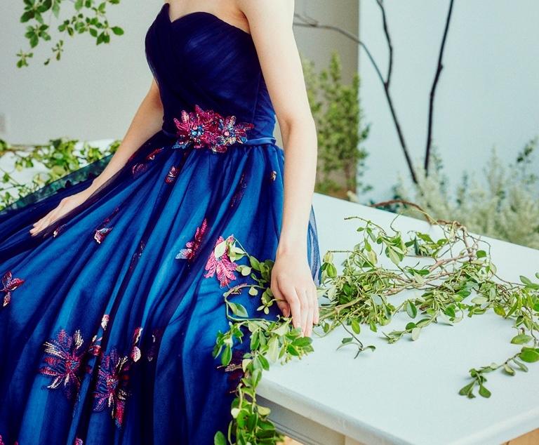 NEW♥ オフショル、花刺繍が素敵すぎる!グレースコンチネンタルのネイビードレス