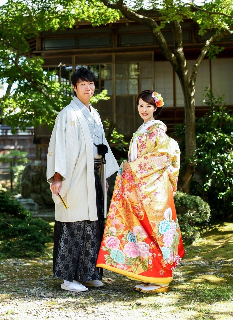 和婚 フォト 色打掛 花嫁和装 プレ花 洋髪 庭園 ロケ インスタ映え