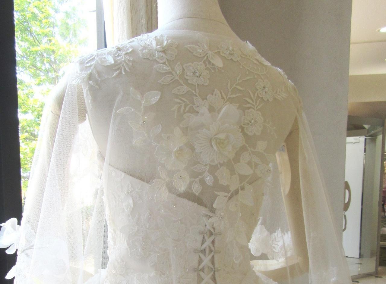 彼ウケも◎花嫁が気になる二の腕もカバー!清楚でエレガントな新作ウェディングドレス