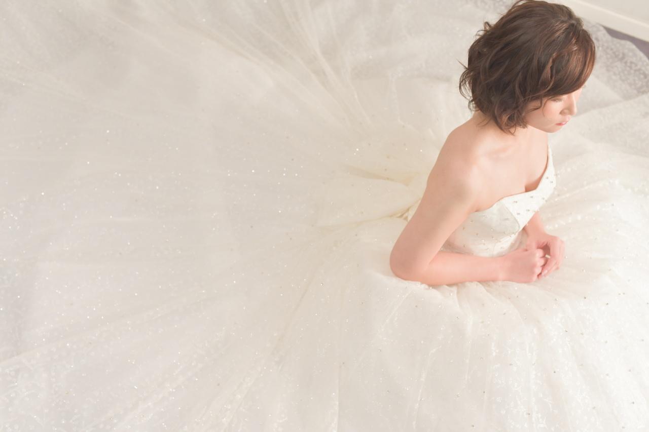 フォトウェディング ビアンベール 鶴岡 ドレス ボリューム 座りショット 埋もれショット 人気 可愛い 大人 プレ花 花嫁