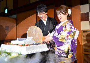 打掛 紫 ケーキ入刀 紋付袴