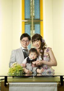 家族一緒 子供と フォトウエディング カラードレス チャペル